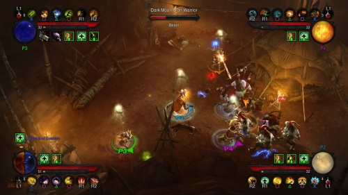 Four players running in Diablo III